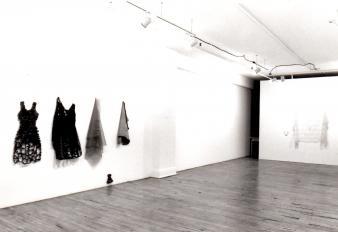 """Claire Beaulieu LIENS © Claire Beaulieu, exposition """"Liens"""", Galerie B-312, 1993."""