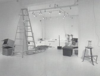 """Jean-Pierre Gauthier REMUE-MÉNAGE GLISSEMENTS ET EFFONDREMENTS © Jean-Pierre Gauthier, exposition """"Remue-Ménage glissements et effondrements"""" Galerie B-312, 2000."""