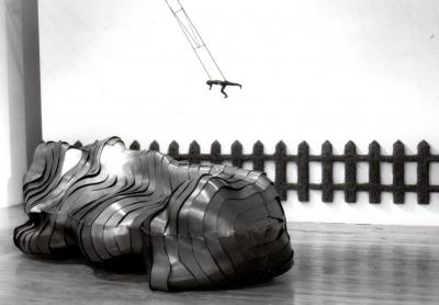 "Sylvie Fraser LES PAYSAGES ARMURÉS © Sylvie Fraser, exposition ""les paysages armurés"", Galerie B-312, 1995."